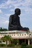 PHANG NGA, TAILÂNDIA - 8 de janeiro de 2014: Wat Kaeo Manee Si Mahatha Imagem de Stock Royalty Free