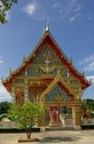 PHANG NGA, TAILÂNDIA - 8 de janeiro de 2014: Wat Kaeo Manee Si Mahatha Foto de Stock