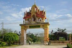 PHANG NGA, THAÏLANDE - 8 janvier 2014 : Wat Kaeo Manee Si Mahatha Images stock