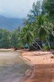 PHANGAN, ΤΑΪΛΑΝΔΗ - 15 ΜΑΡΤΊΟΥ 2018: Παραλία Chaloklum Koh στο νησί Phangan στοκ εικόνα