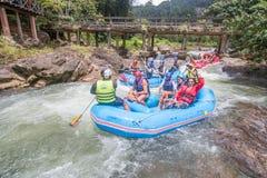 PHANGNGA TAJLANDIA, SIERPIEŃ, - 23, 2014: Białej wody flisactwo na th Fotografia Royalty Free