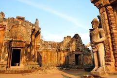 Phanom阶石头武里喃府泰国城堡废墟  库存照片