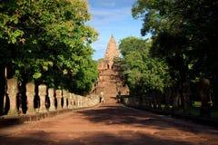 Phanom ringde historiskt parkerar den huvudsakliga templet Arkivfoton