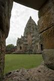 Phanom ringde historiskt parkerar i det Buriram landskapet i den Isan regionen av Thailand. Royaltyfri Foto