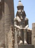 PHARAON statua W świątyni Zdjęcie Stock