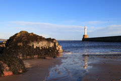Phare à Aberdeen, Ecosse photos stock