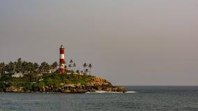 Phare chez Kovalam, Trivandrum - lumière du jour images libres de droits