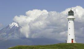 Phare d'egmont de bâti du Nouvelle-Zélande Images stock