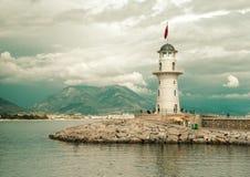 Phare dans le port Alanya, Turquie Photo libre de droits
