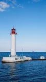 Phare dans le port maritime d'Odessa, Ukraine Image stock