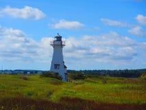 Phare dans un domaine, Canada d'île Prince Edouard Photos stock