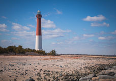 Phare de Barnegat, New Jersey, une journée de printemps croquante Images libres de droits