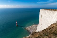 Phare de cap Bévésiers, le Sussex est, R-U photographie stock