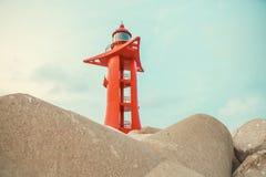 Phare de couleur rouge à l'île de Jeju - Corée du Sud images stock