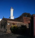 Phare du quart historique de la ville du del Sacramento, Uruguay de Colonia Photo stock
