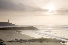 Phare et plage au coucher du soleil, Biarritz Photo libre de droits