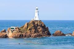 Phare Jersey, îles de Corbiere de la Manche Image stock