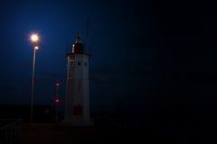 Phare la nuit Photographie stock libre de droits