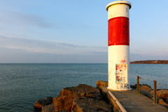 Phare rouge et blanc Image stock