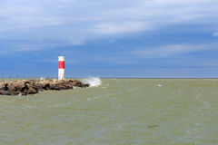 Phare rouge et blanc Photo stock
