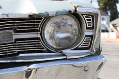 Phare sur une voiture de vintage images stock