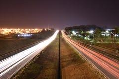 Phares de voiture dans Mirassol, sao Paulo State, Brésil images libres de droits