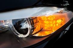 Phares modernes de véhicule Photographie stock libre de droits
