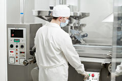 Pharmaceutical factory worker Royalty Free Stock Photography
