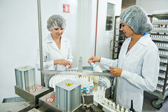 Pharmaceutical industrial factory worker Royalty Free Stock Photo
