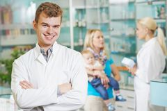 Pharmaceutical worker in drugstore Royalty Free Stock Photography