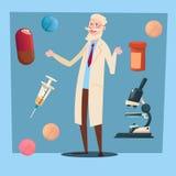 Pharmacien de médecin Senior Man Practitioner Photo libre de droits