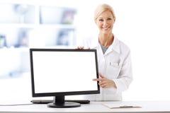 Free Pharmacist Working Royalty Free Stock Photos - 58481788