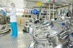 Pharmaindustriearbeitskraft Stockbild