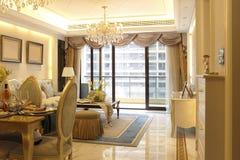 Phasen- warmes Esszimmer und Wohnzimmer stockbild