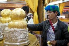Phaung Daw Oo塔 免版税图库摄影