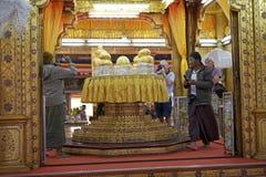 Phaung Daw Oo塔 免版税库存图片