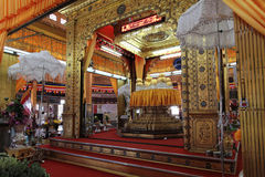 Phaung Daw Oo La pagoda insides Stock Images