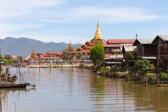 Phaung kawki Oo pagoda, Inle jezioro, Myanmar Obrazy Stock