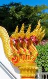 Phaya-Naga, der den Tempel Wat in Thailand schützt lizenzfreies stockbild