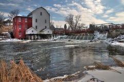 Phelps Mill är en historisk sikt i lantliga Minnesota royaltyfri fotografi