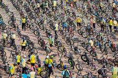 PHETCHABUN THAILAND - DECEMBER 11, 2015: Cykel för konungen Arkivbild