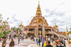 PHETCHABUN THAILAND - JANUARI 3, 2017: Phrathat phasornkaew Arkivbild