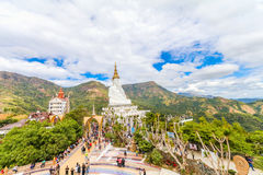 PHETCHABUN THAILAND - JANUARI 3, 2017: Wat phasornkaew är en Royaltyfri Fotografi
