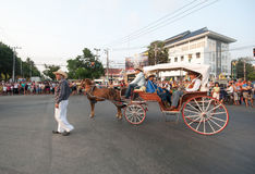 Phranakhonkhiri在街道的节日游行2013年 库存照片