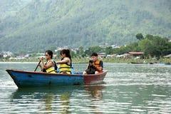 Phewa湖是第二大湖在尼泊尔 免版税图库摄影