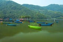 Phewa湖是著名和美丽的湖在博克拉尼泊尔 库存图片