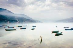 Phewa湖在博克拉,尼泊尔 免版税库存照片