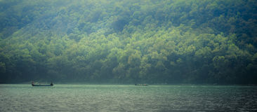 Phewa jezioro, Phewa Tal lub Fewa jezioro, jesteśmy słodkowodnym jeziorem w Nepal Zdjęcie Royalty Free