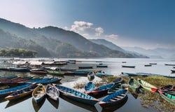 湖尼泊尔phewa pokhara 免版税库存照片