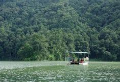 Phewa See ist der zweitgrösste See in Nepal Stockbild